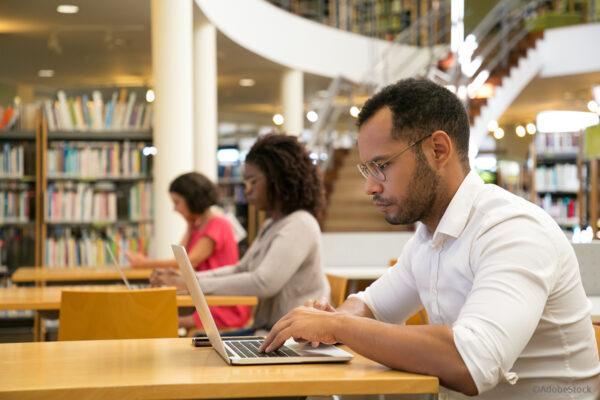 Ob Studium oder Sprachkurs: Mit einem Stipendium geht's leichter