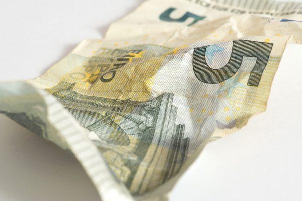 Was tun, wenn eine Banknote beschädigt ist